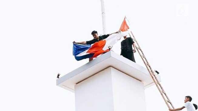 19 September 1945 – Perobekan Bendera Belanda