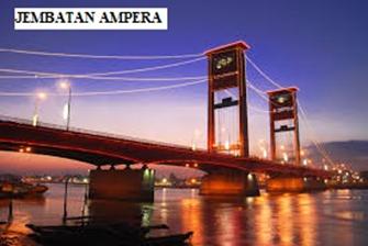 Memiliki Jembatan Ampera yang Dapat Terbelah Dua